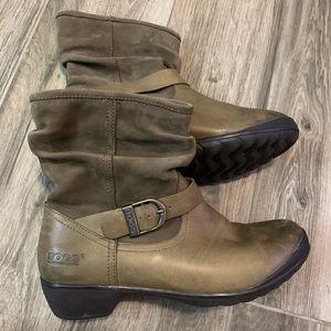 Bogs Cassie Low Rain Boots  Women's 8